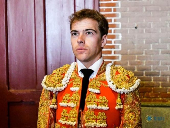Javier Cortés vuelve a pasar por quirófano