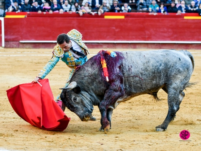 De Cádiz a Esparta abriendo el Turia