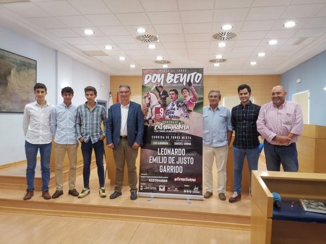 Don Benito rinde homenaje a Extremadura
