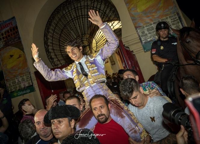 La bipolaridad del palco aúpa a Castella