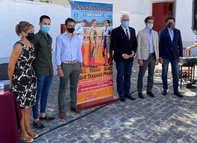 Luque, Sergio Serrano y Ginés Marín, en Manzanares