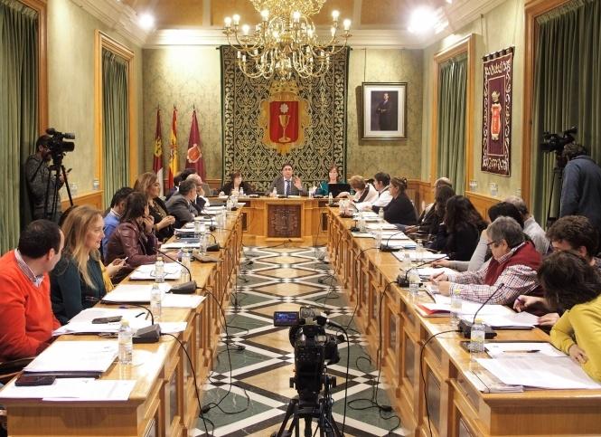 Cuenca aprueba una moción en defensa de los toros
