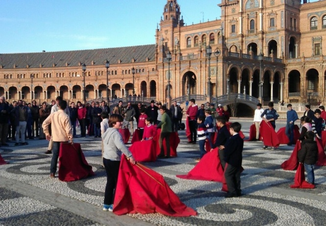 El toreo en Sevilla impulsa un «paseo reivindicativo»