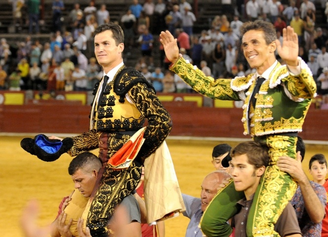 Aníbal Ruiz y Daniel Luque, a hombros