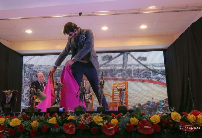 Padilla ofrece una gran lección de vida en Villaseca